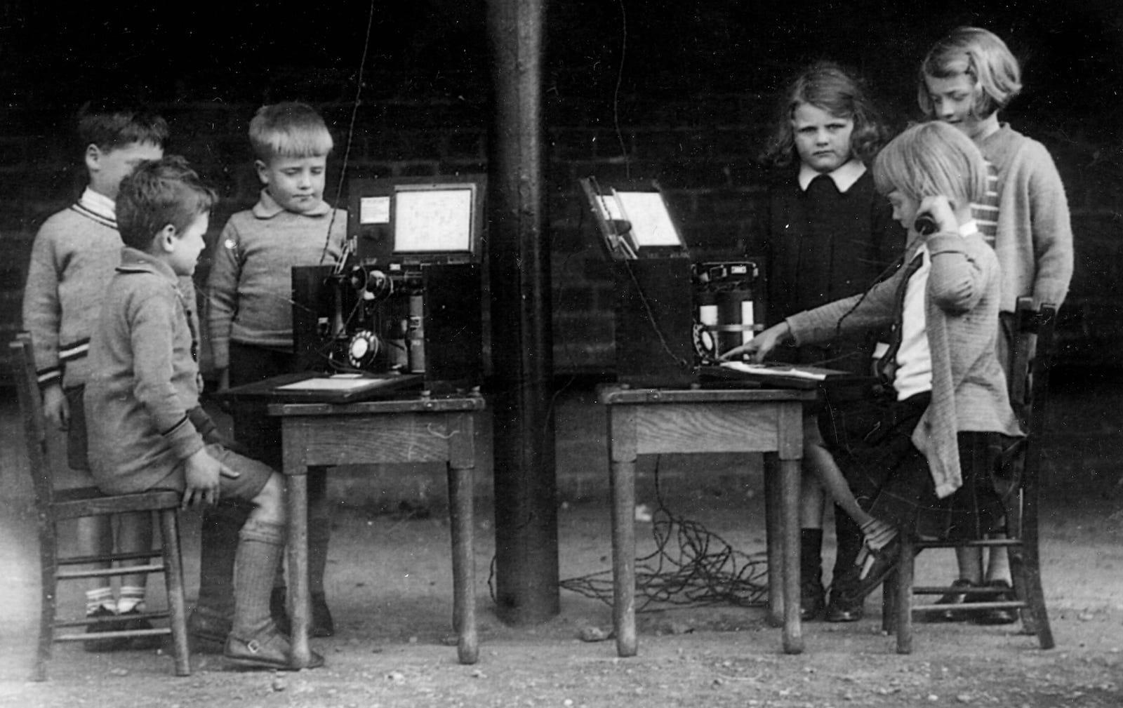 Dollar Public School - Learn Telephone 1935